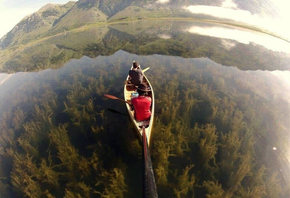 >Milky way scientists >>Canoeing In A Crystal Clear Lake, Italy