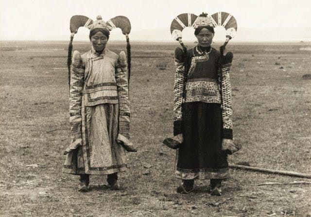 100年前なのにモダン? 美しすぎる民族衣装の世界|ナショジオ|NIKKEI STYLE