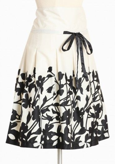 poplar branches print skirt in black