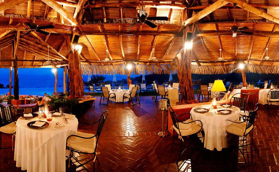 Es un restaurante en San José. Es peqeño, pero la comida es muy delicioso.