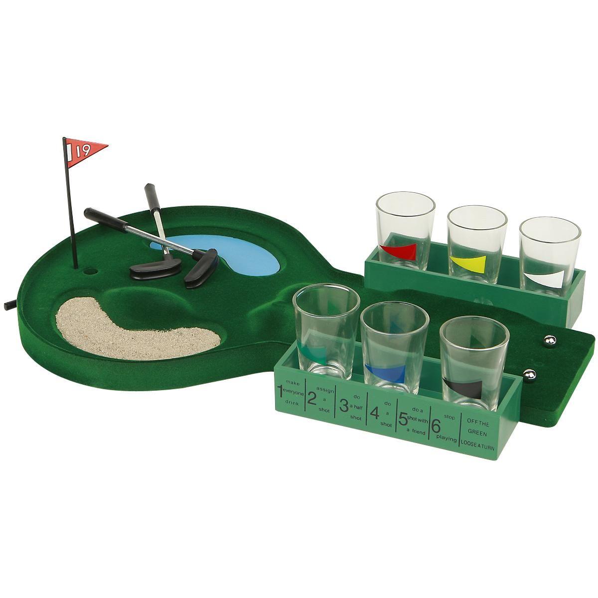 Hupaisa kahden hengen golfjuomapeli. Setti sisältää kuusi lasia, kaksi metallista kuulaa, kaksi pientä golfmailaa (13.5 cm) ja muovinen pelialusta. Lasit eivät sovellu konepesuun.
