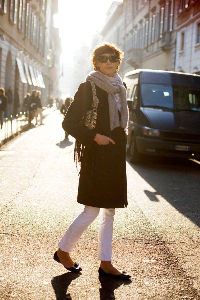 Ines de la Fressange - White pants ! The straight & short ...