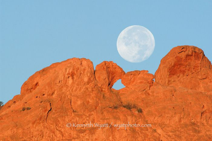 Garden Of The Gods Park Kissing Camels Colorado Scenery