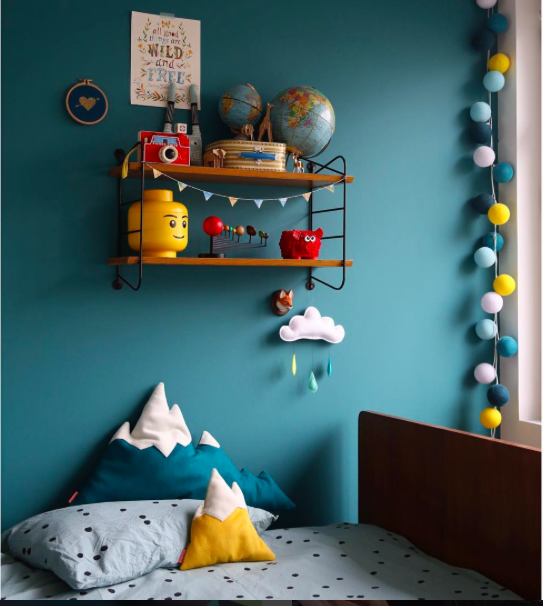 id e couleur t te de lit chambre bleu p trole jaune moutarde kids spaces pinterest. Black Bedroom Furniture Sets. Home Design Ideas