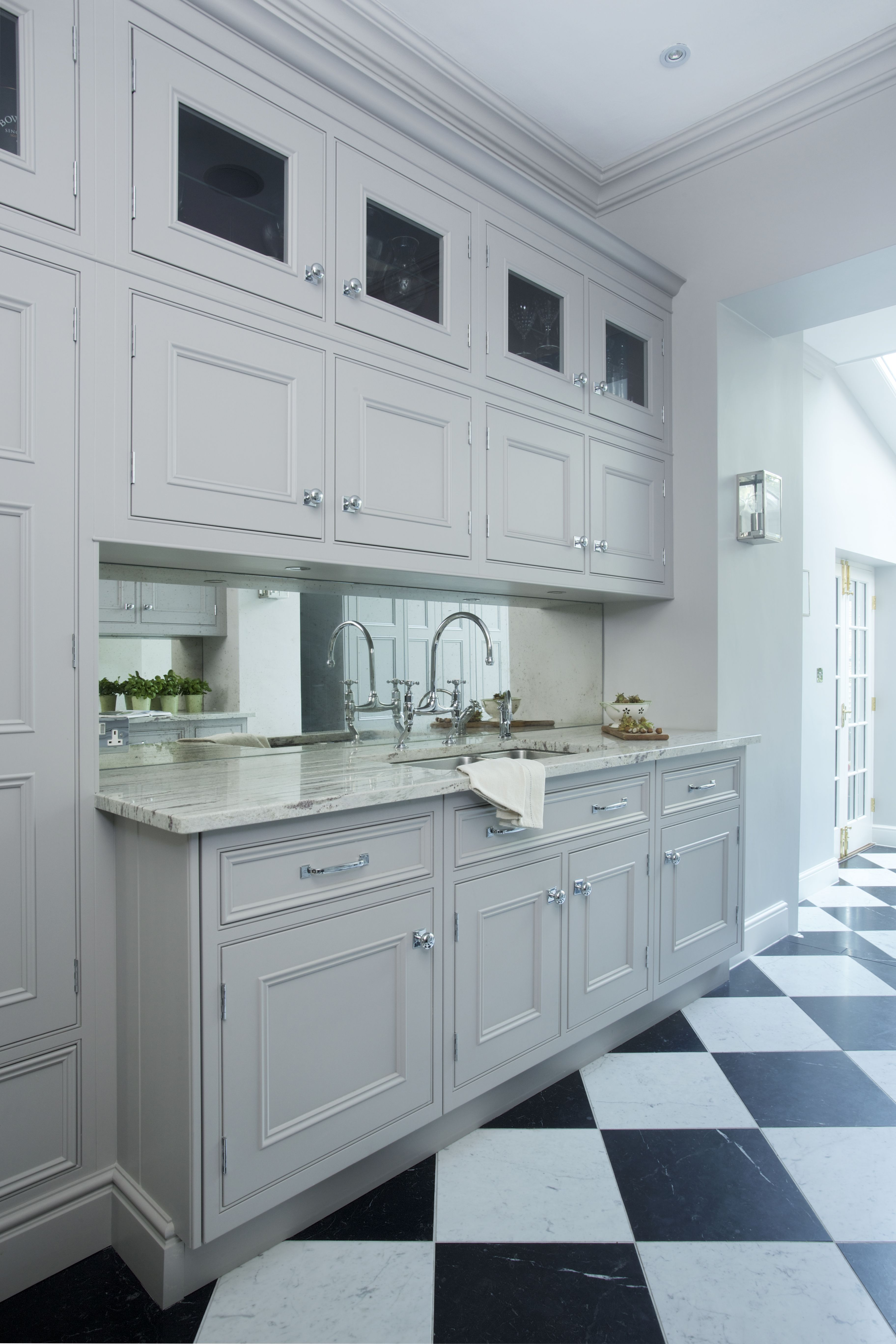 Lewis Alderson Co Chelsea Kitchen These Double Height Wall Units