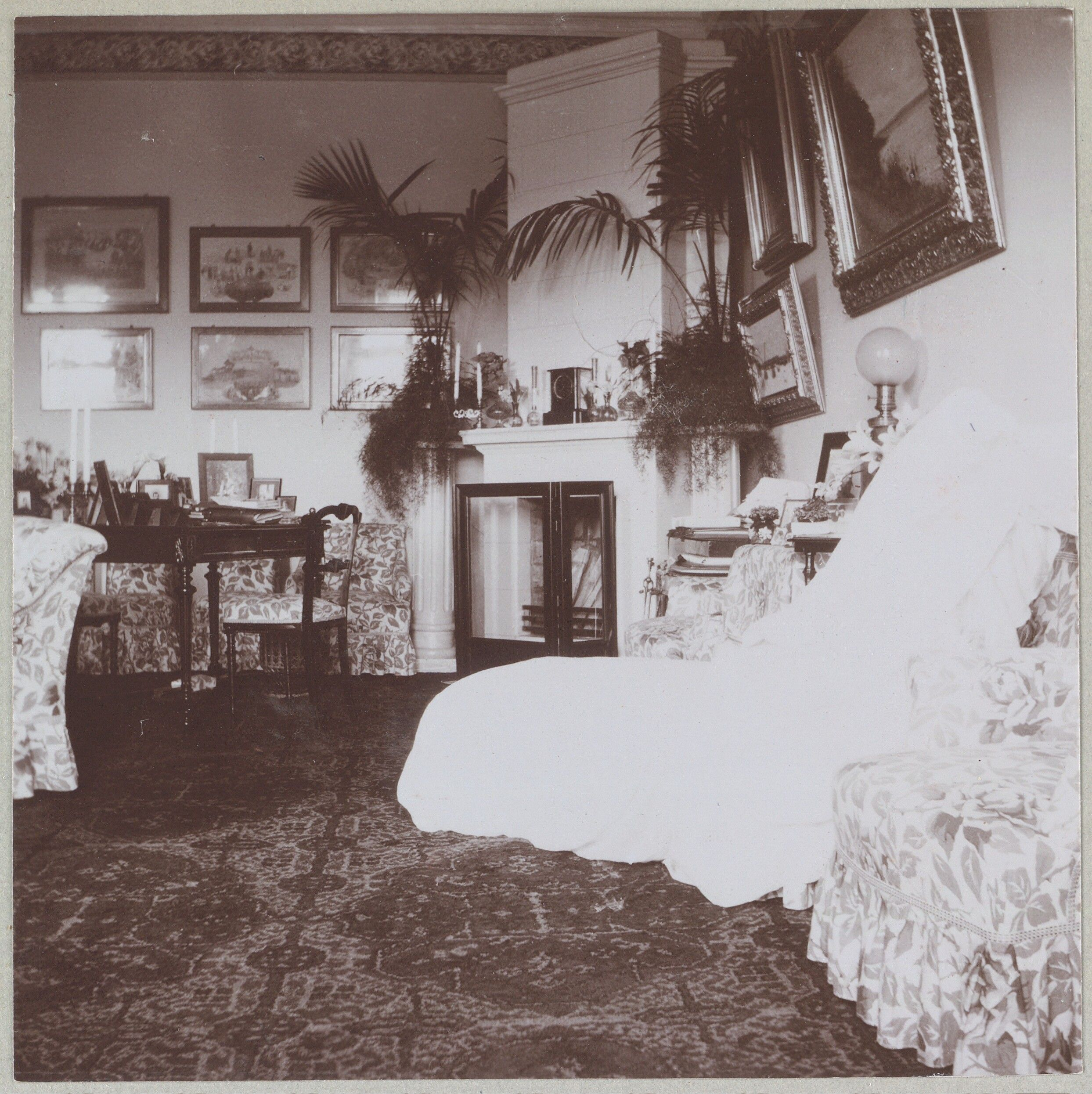 """Spala 1912"" ""Sala de estar de Sua Majestade"""