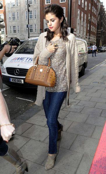 , Selena Gomez Photos Photos: Selena Gomez at Spaghetti House, My Pop Star Kda Blog, My Pop Star Kda Blog