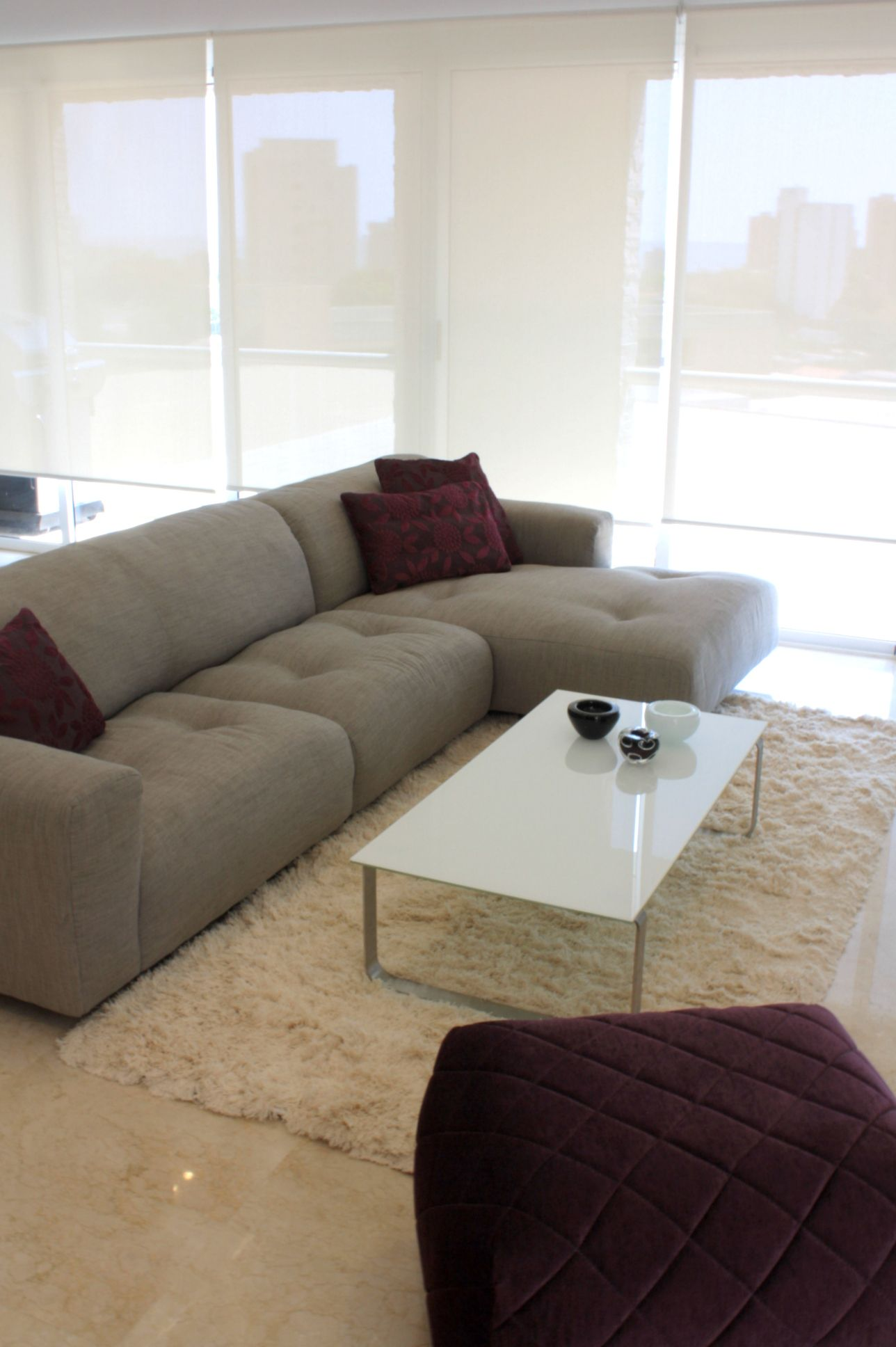 CONTEMPORARY LIVING ROOM Brisa Sofa Sando Coffee Table Moss Puff Zientte  Houston