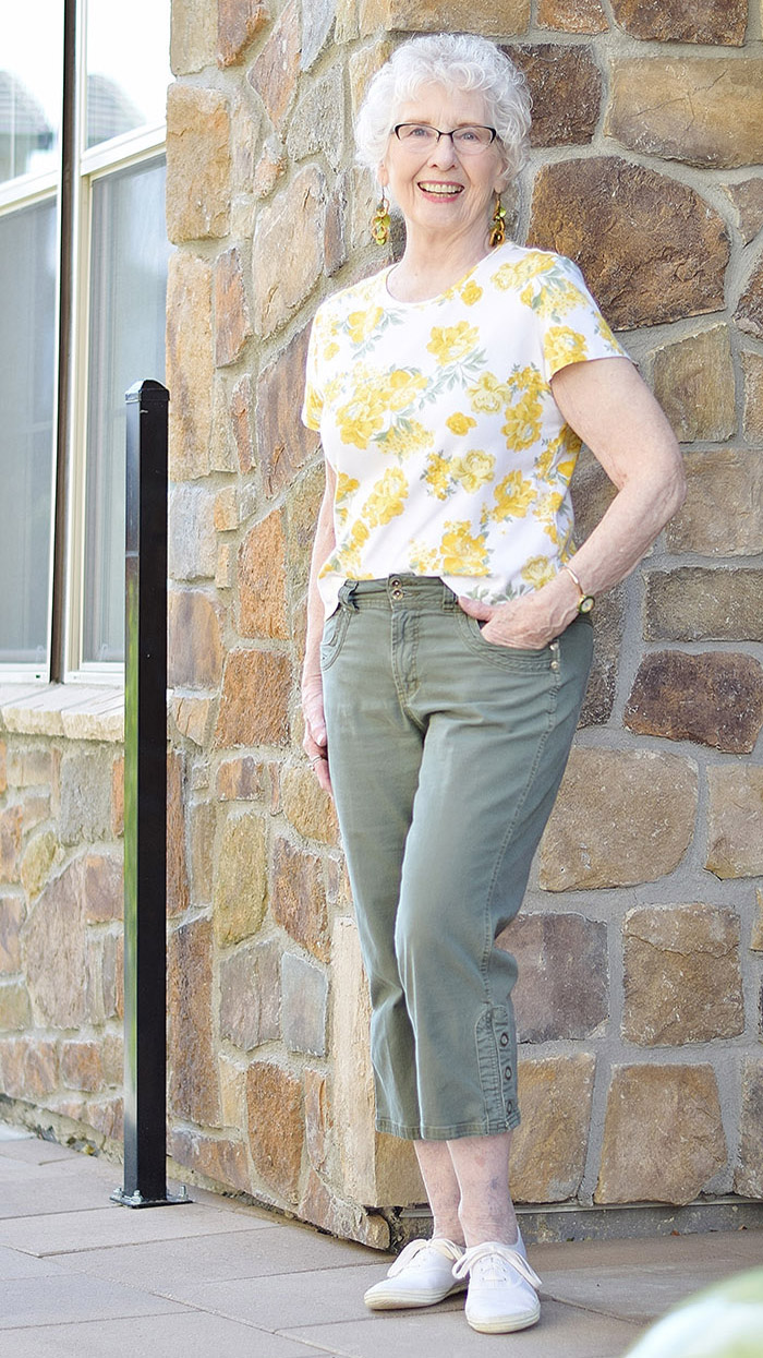 Fashion For Older Women Capri Pants For The Summer Months Sixty And Me Over 60 Fashion Fashion Older Women Fashion [ 1245 x 700 Pixel ]