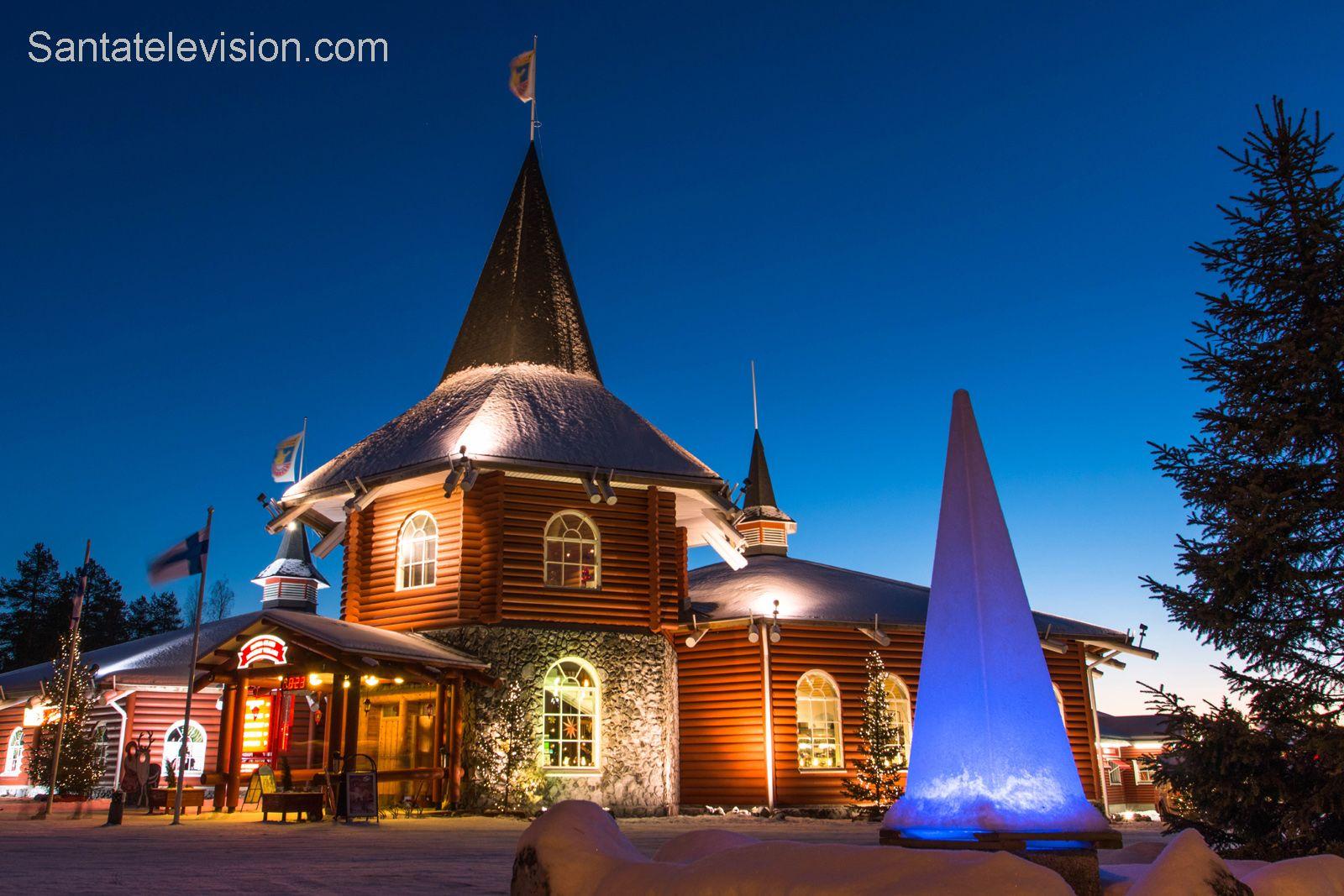 Das Christmas House im Weihnachtsmann-Feriendorf in Rovaniemi