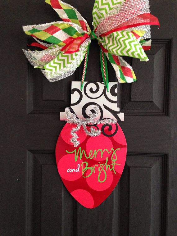 Christmas Door Hanger Light Bulb Wall By Thepaisleypetalvegas Burlap Crafts Christmas Door