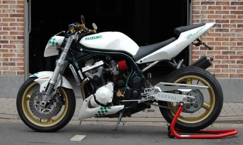 Ducati 916 Custom Café Fighter - BikeBrewers.com