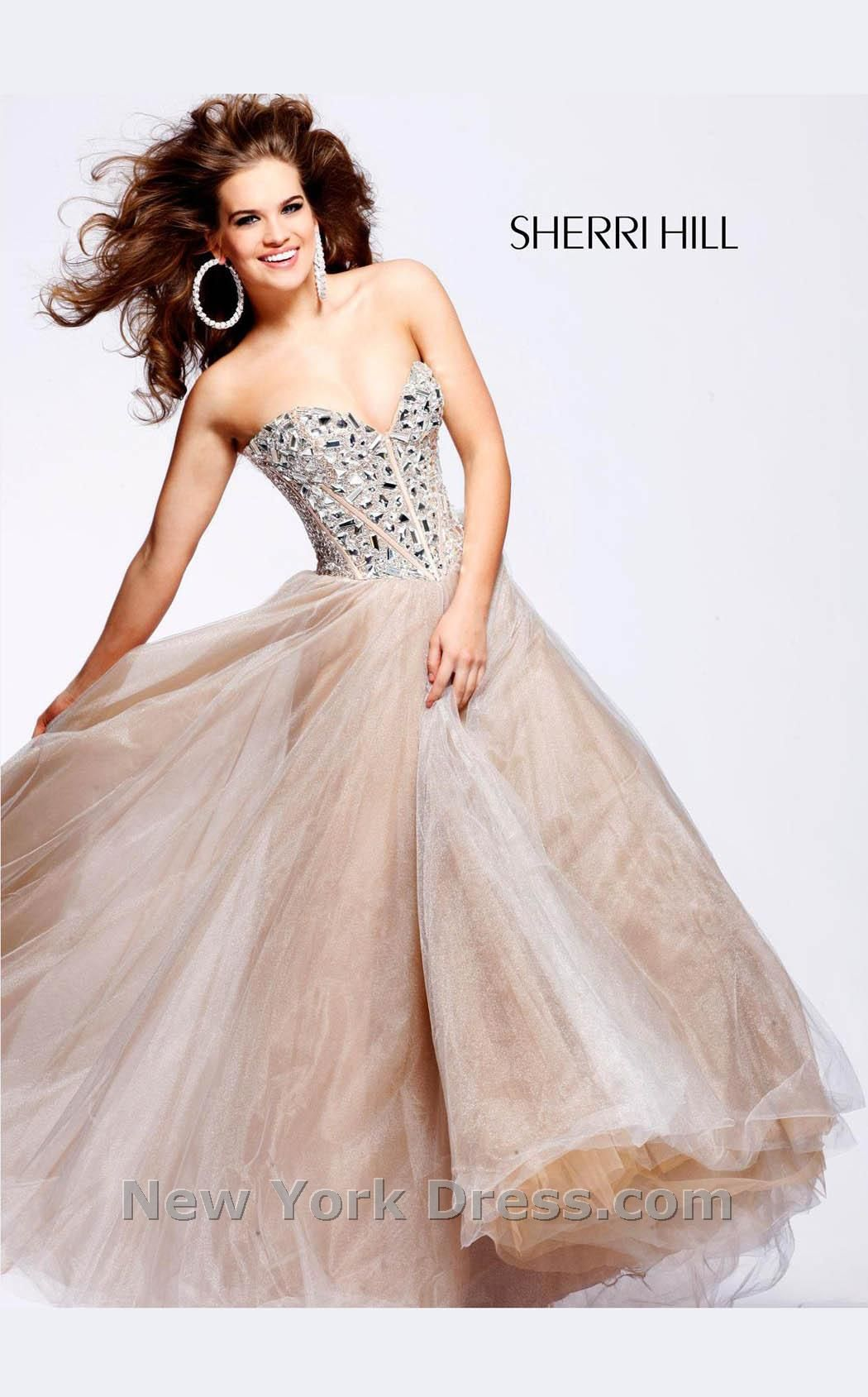 Swishy AND sparkly. I love it. | Fantasy Dresses, Princess Dreams ...