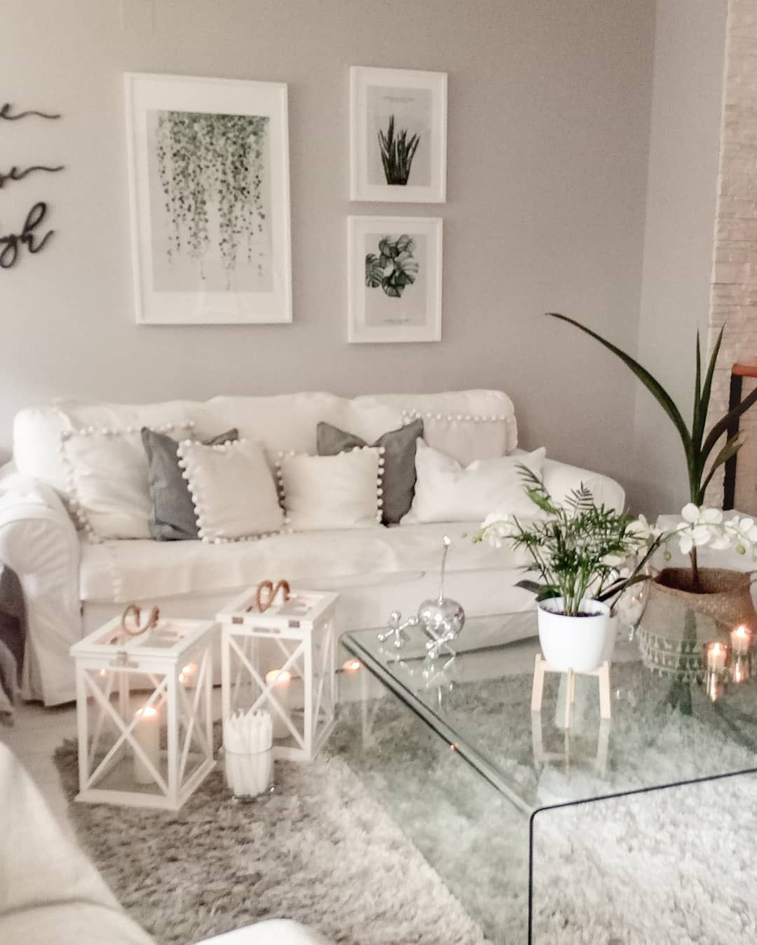 37 White and Silver Living Room Ideas That Will Inspire You images