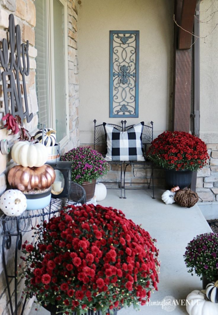 Copper, Jewel Toned Fall Front Porch #falldecorideasfortheporchoutdoorspaces