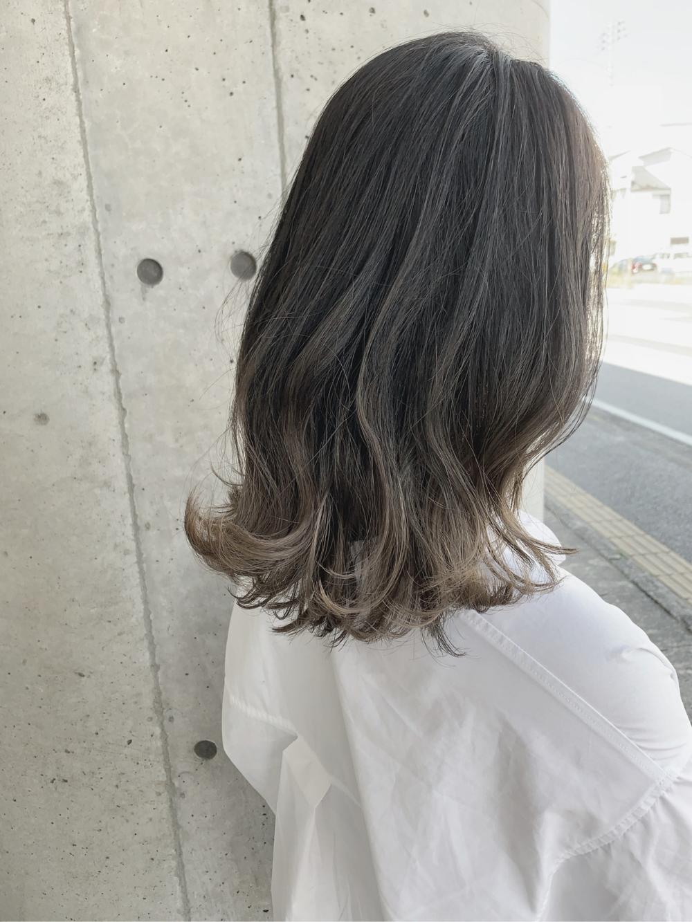野暮ったい いや 全然 暗めグラデーションカラーヘアカタログ 髪