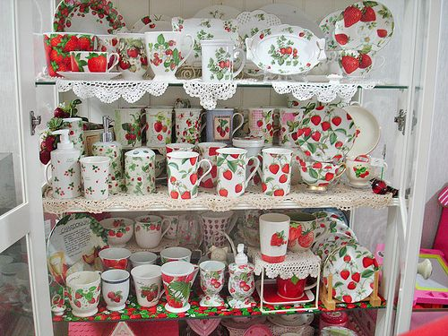20110622 Strawberry Kitchen Decorations Themes