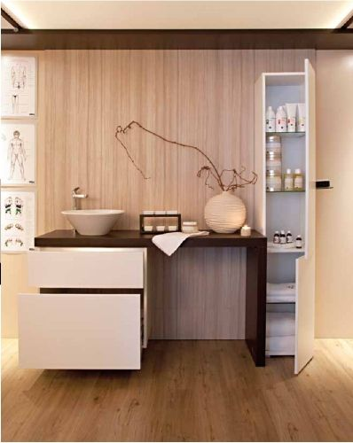 Interno di cabina per estetica realizzato da negozi srl for Arredamento estetica