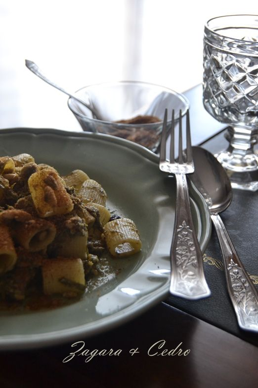 Pasta con le Sarde-piatto tipico Siciliano http://zagaraecedro.blogspot.it/2014/07/pasta-con-le-sardepasta-cche-saddi.html