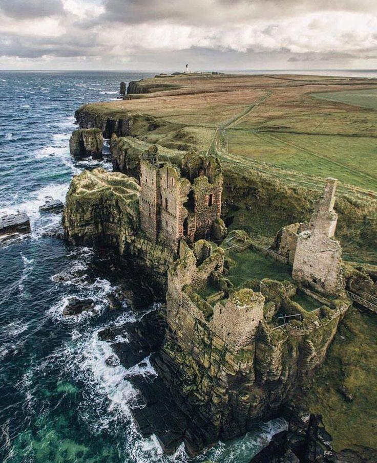 Amazing Places To See Scotland: Castle Sinclair Girnigoe, Scotland