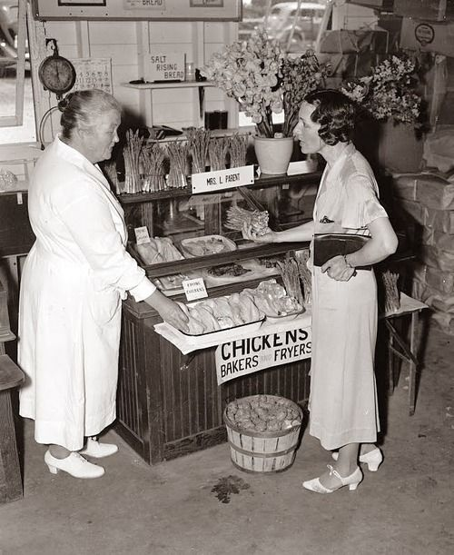 Shopping For Groceries 1930s Old Pictures Old Photos Vintage
