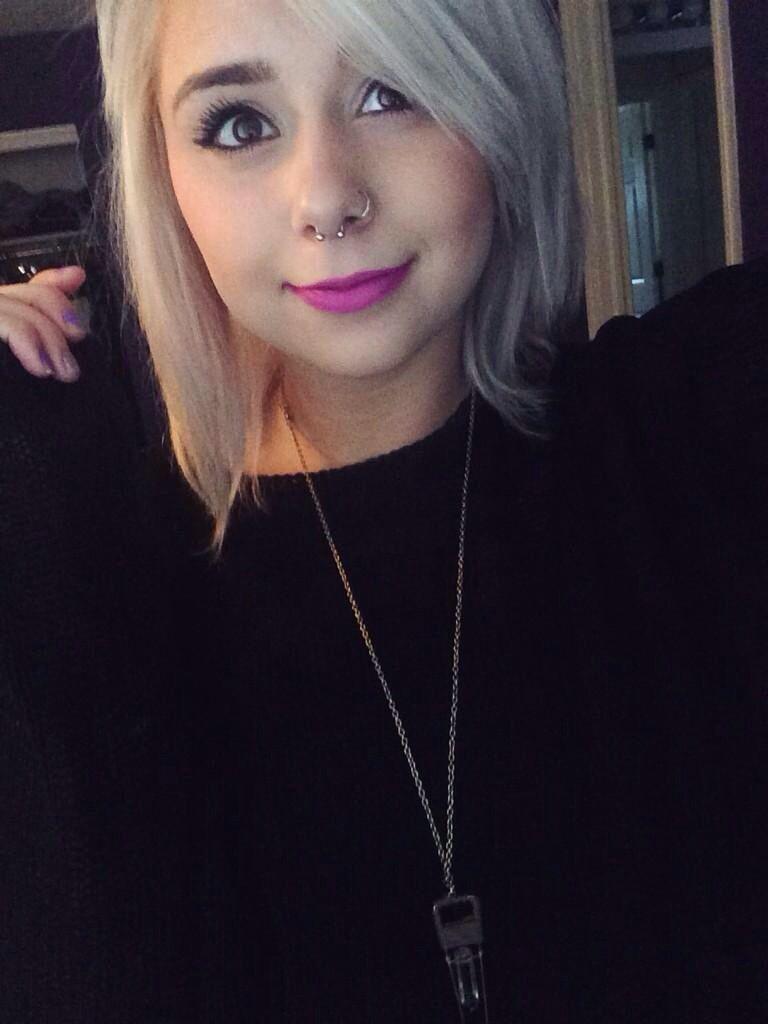 Piercing on nose  Gorgeous  uP I E R C I N G Su  Pinterest