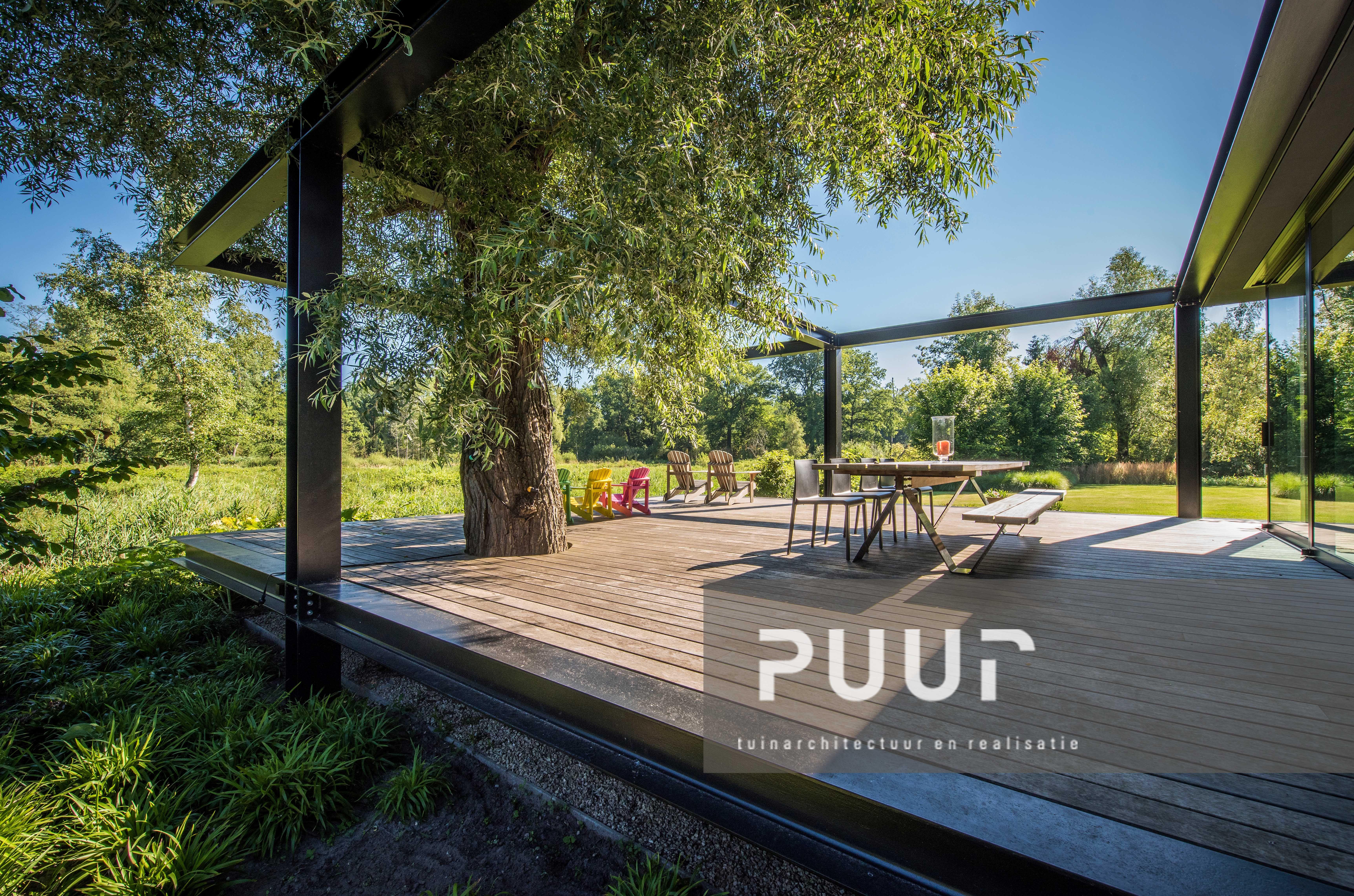 Strakke tuin met modern terras puur groenprojecten tuinarchitectuur