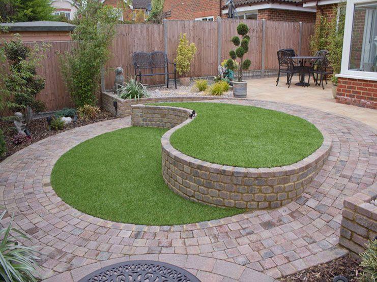 Ying and yang garden | Garden ideas | Pinterest | Small patio design ...
