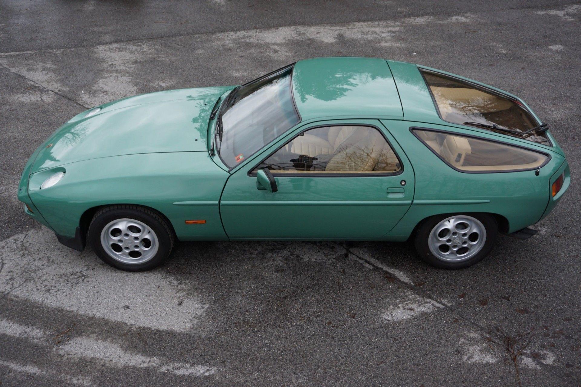 Porsche 928 1982 Elferspot Com Marketplace For Porsche Sports Cars In 2021 Porsche 928 Porsche Sports Car Porsche