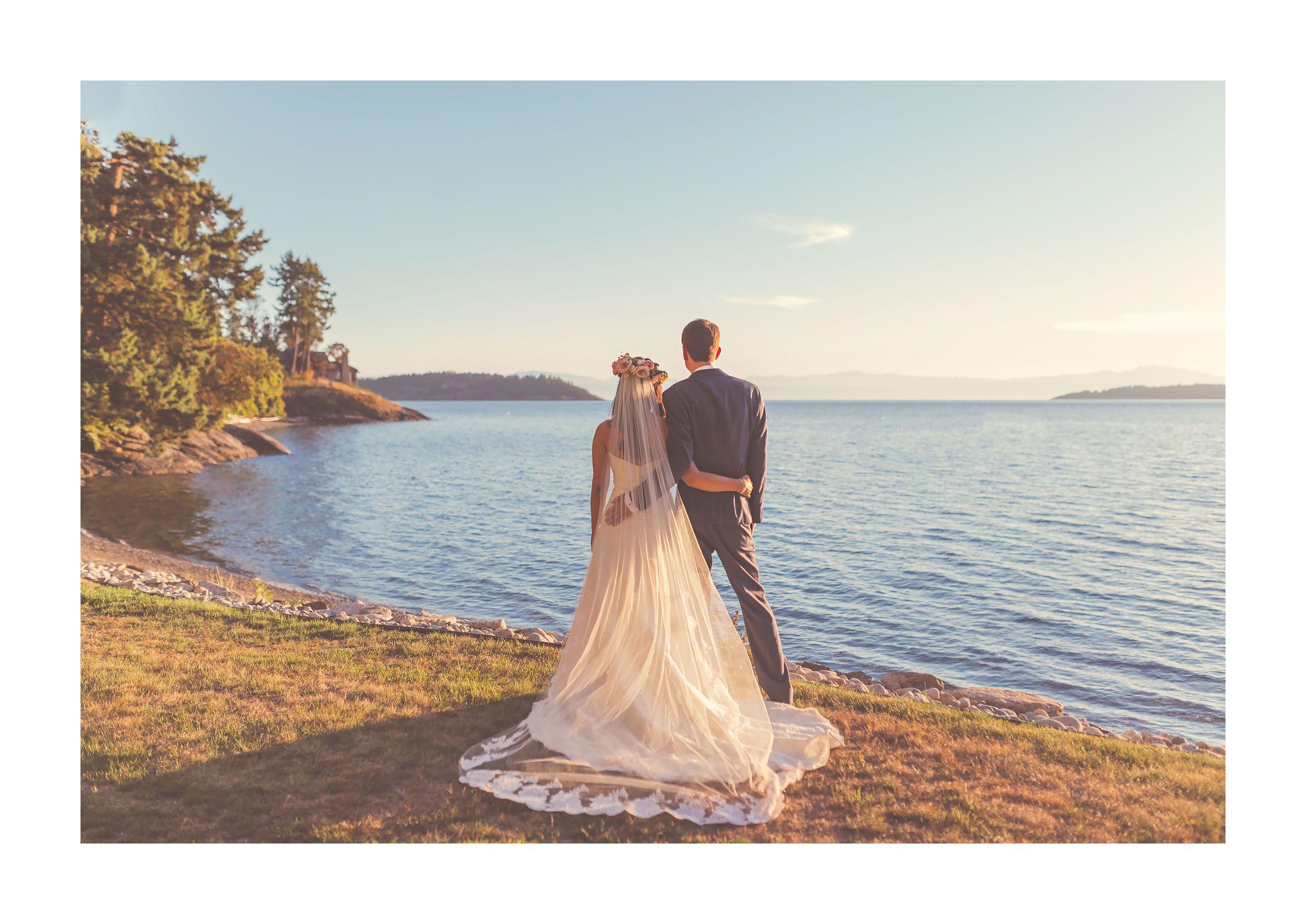 halfmoon bay beach wedding / sunshine coast, bc #jenniferpicardphotography #sunshinecoastbc #weddingvenue #dreamy #weddingdress #bouquet #westcoast #destinationwedding