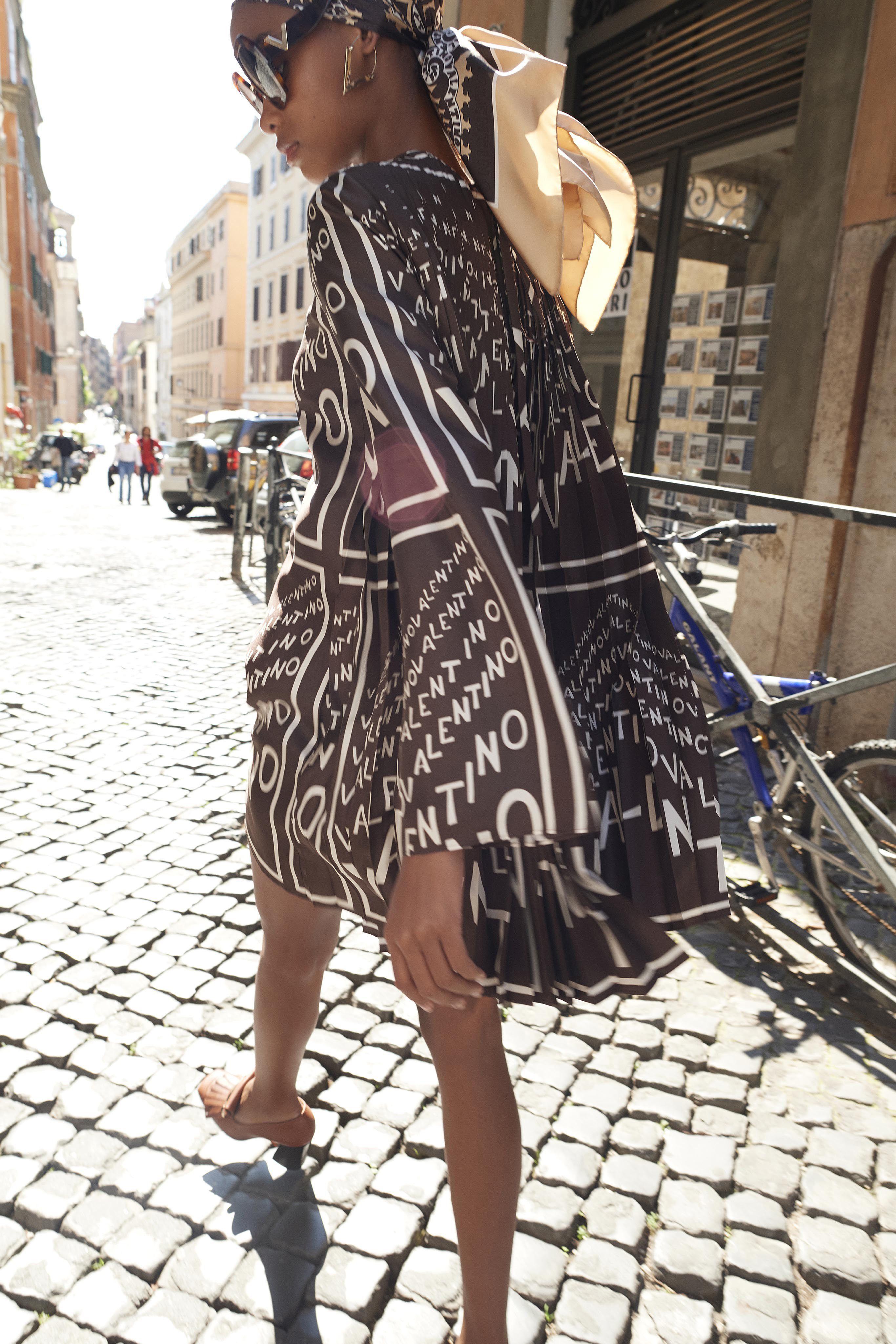 ba7515ee26d Valentino Resort 2019 Fashion Show Collection  See the complete Valentino  Resort 2019 collection. Look 30