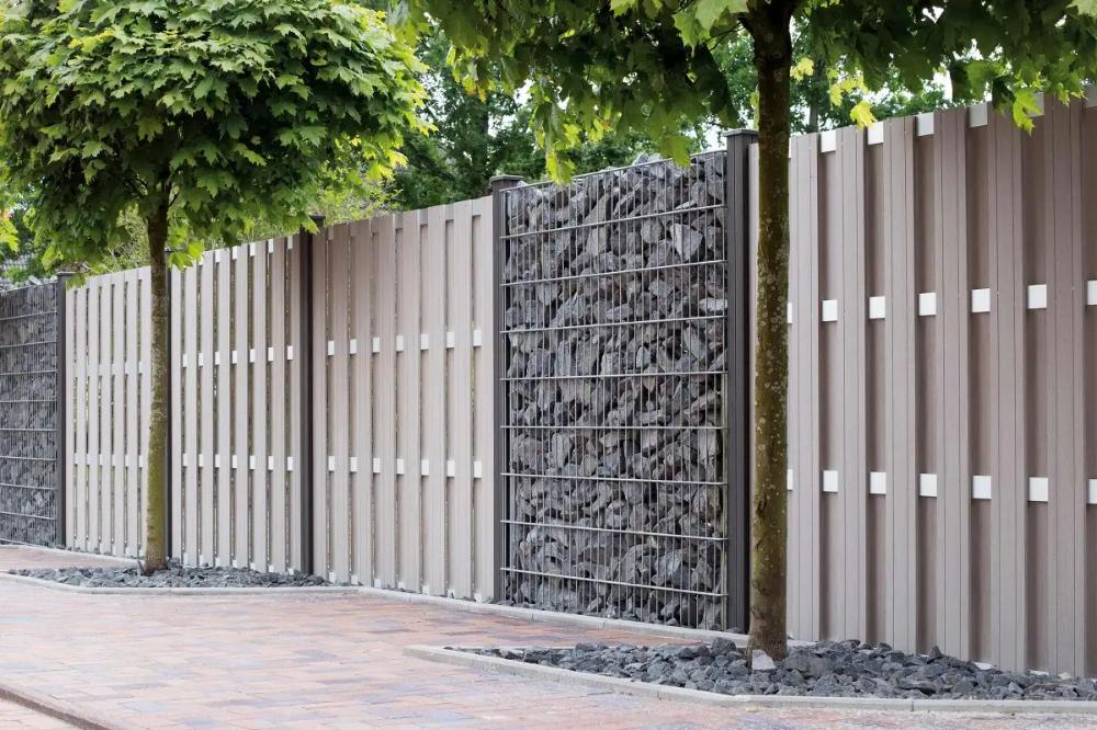 Den Richtigen Gartenzaun Auswahlen Hornbach In 2020 Zaun Garten Wpc Zaun Gartenzaun