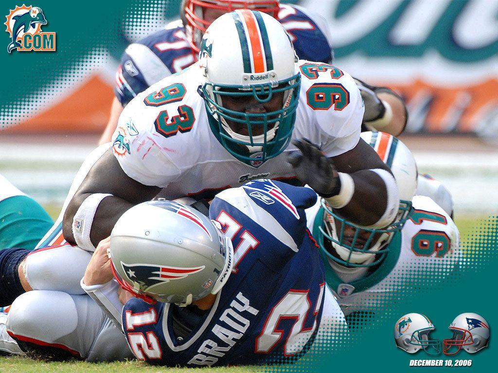 Miami Dolphins Vs Patriots Miami Florida Miami Dolphins Wallpaper Dolphins Football Miami Dolphins Football