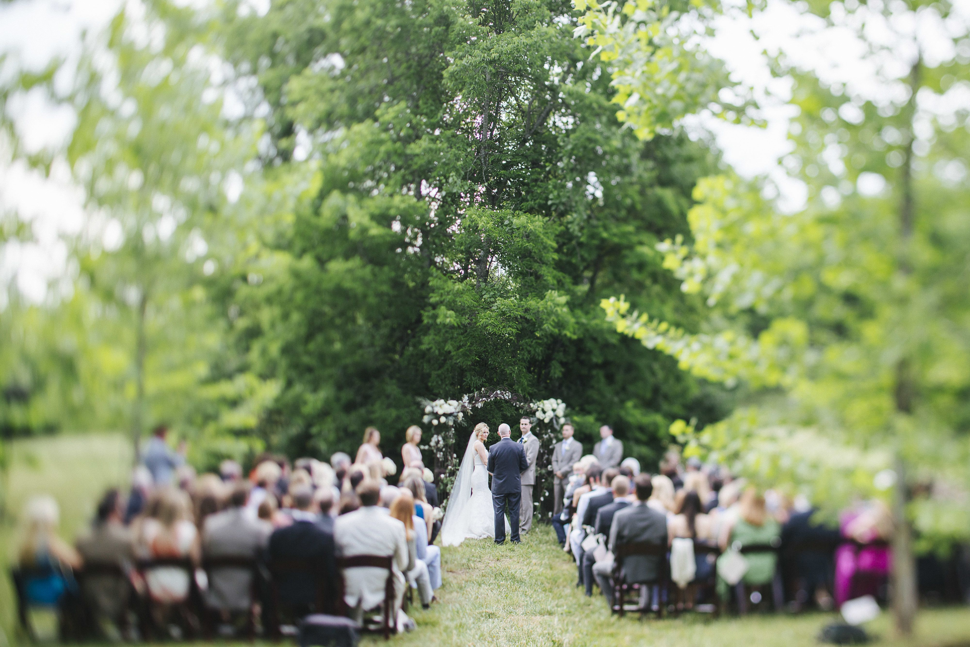 Charming Rustic Farm Wedding In Nashville At Green Door Gourmet Rustic Farm Wedding Farm Wedding Green Door