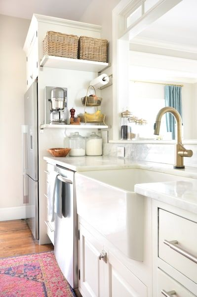 16 Stylish Space-Saving Hacks For Totally Tiny Apartments ...