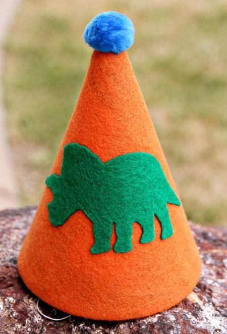 DIY Felt Dino Hat for a Childs Birthday Party
