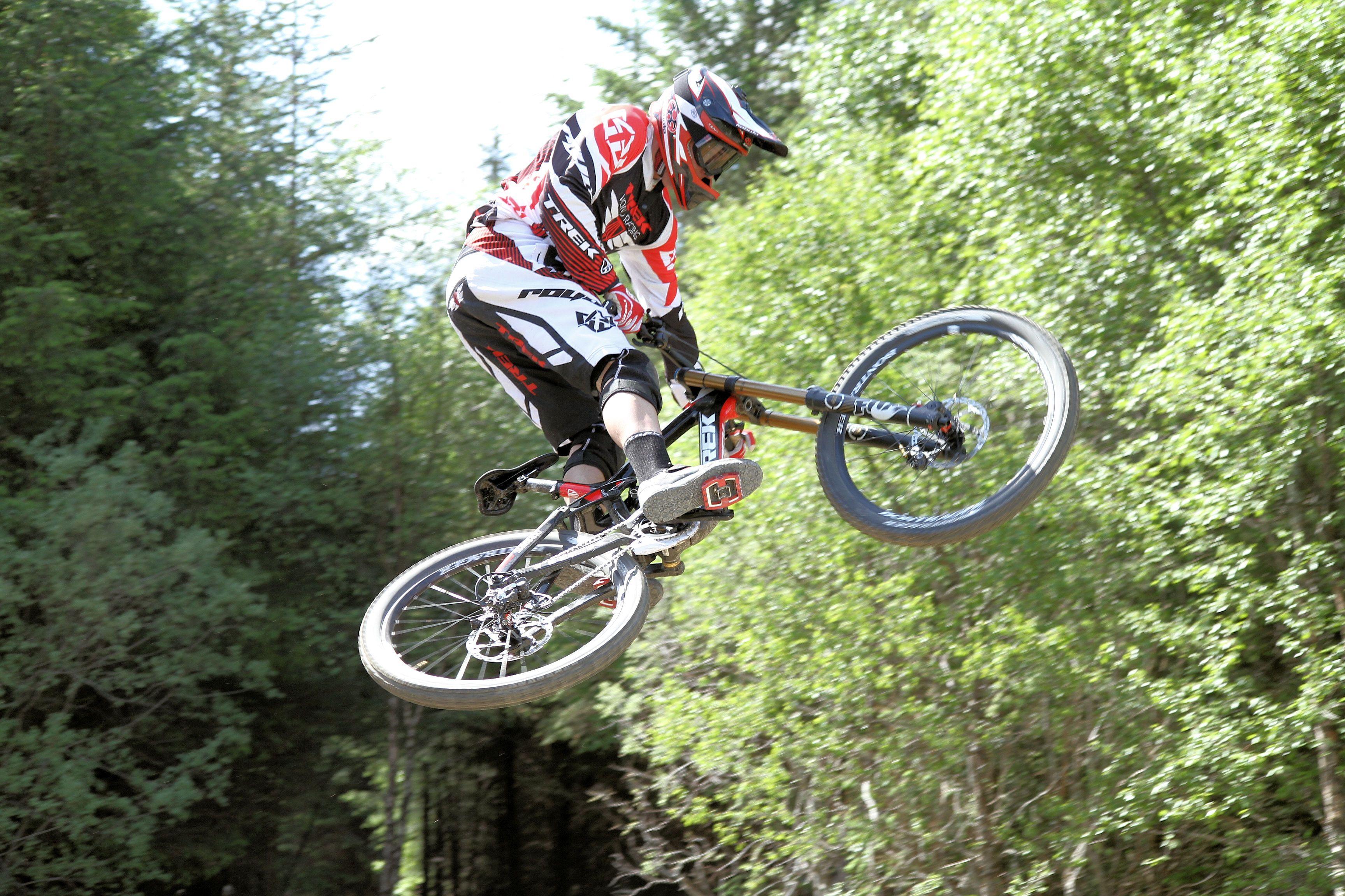 7a6e1cf08d5 Mountain Bike Downhill