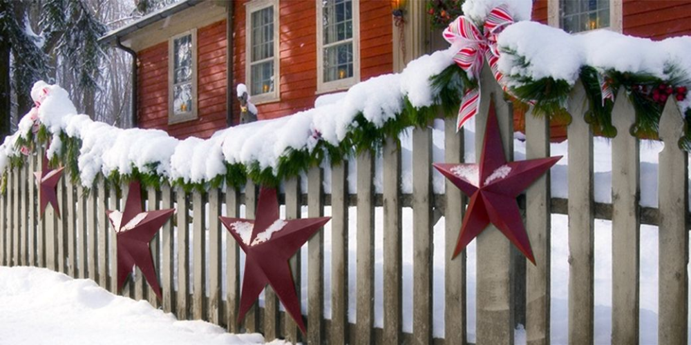 Novel Way to Decorate Your Fence this Christmas | Deer Fencers -   18 christmas decor outdoor fence ideas