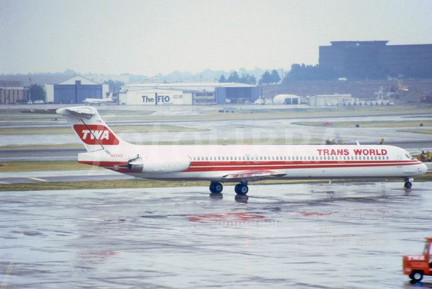 Runway Incursion Twa Flight 427 Cessna 441 At Lambert St Louis International Airport 1994 Deaths 2 Twa Cessna Deutsch Language
