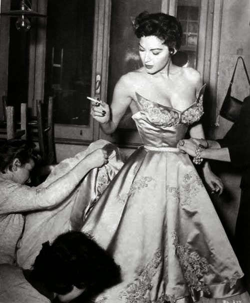 Oscars Red Carpet 1950 Google Search Ava Gardner Old Hollywood Hollywood