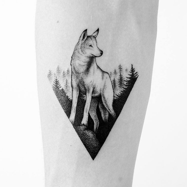 Wolf In A Triangle Tattoo Husky Tattoo Wolf Tattoos For Women