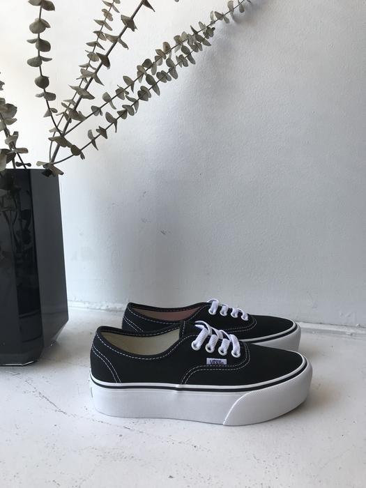 VANS - AUTHENTIC PLATFORM - NOIR | Sapatos vans, Tenis ...