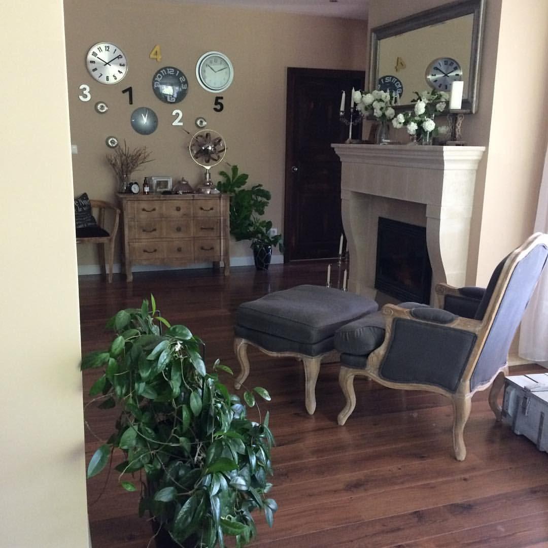 Otthon, édes otthon. #home #sweet #homesweethome #homedecor #lakberendezes #lakberendezo #interior #interiordecoration #flower #decor #interiordecorating #blogger #ikozosseg #ikozosseghungary #mik #kisflanc #kuklaedina