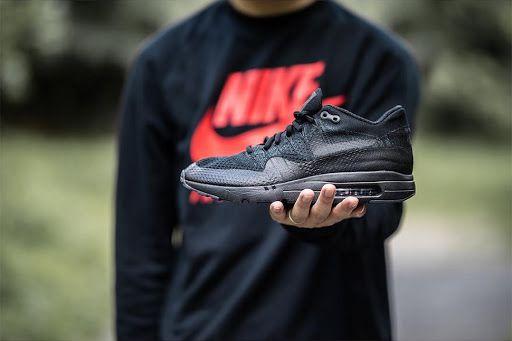 Nike Air Max 1 Ultra Flyknit Triple Black | SneakerFiles