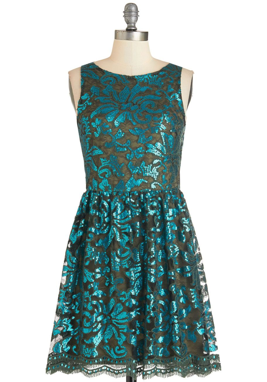 Olive green and teal is such an unexpected holiday color combination