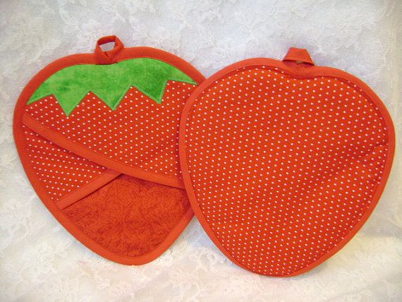 Strawberry Potholders Strawberry Oven Mitts by VernieLeeDesigns