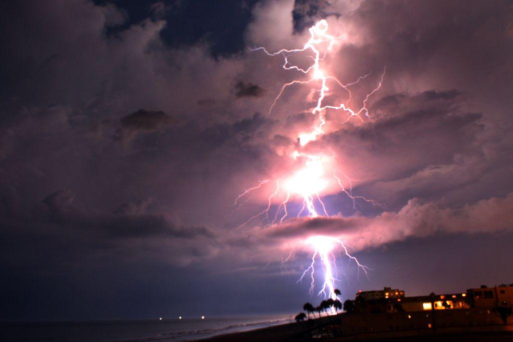 lightning strike off the coast of florida