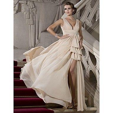 Prom??? A-line V-neck Sweep/Brush Train Chiffon Evening Dress – USD $ 179.99