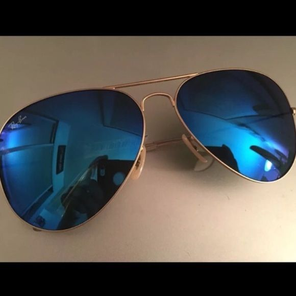 ray ban aviator black frame blue lens  Ray-Ban Aviator Sunglasses Blue Lens Gold Frame! NWT