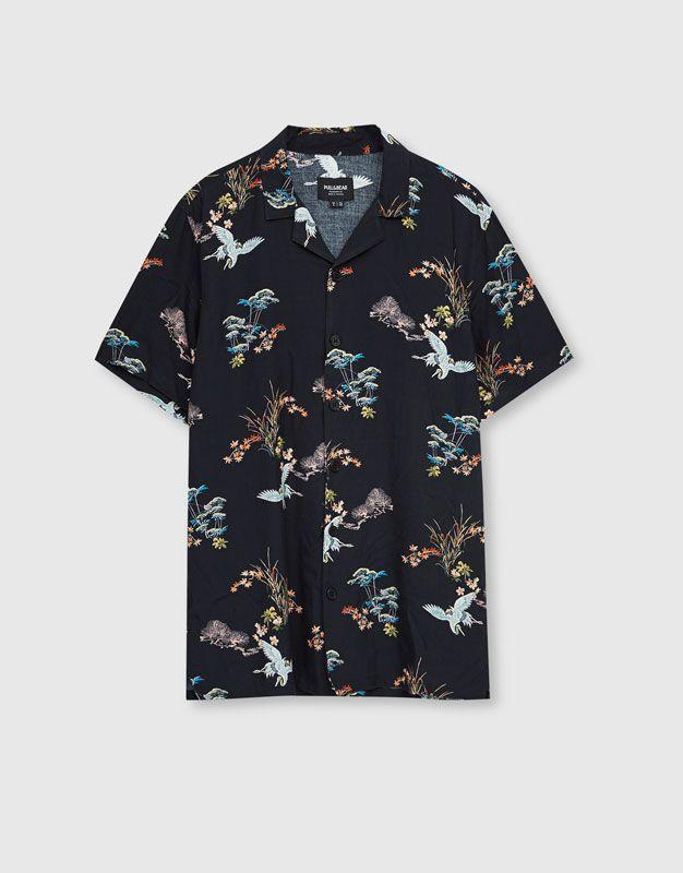 4e9e077fed Camisa estampada garzas manga corta - Novedades - Hombre - PULL BEAR España